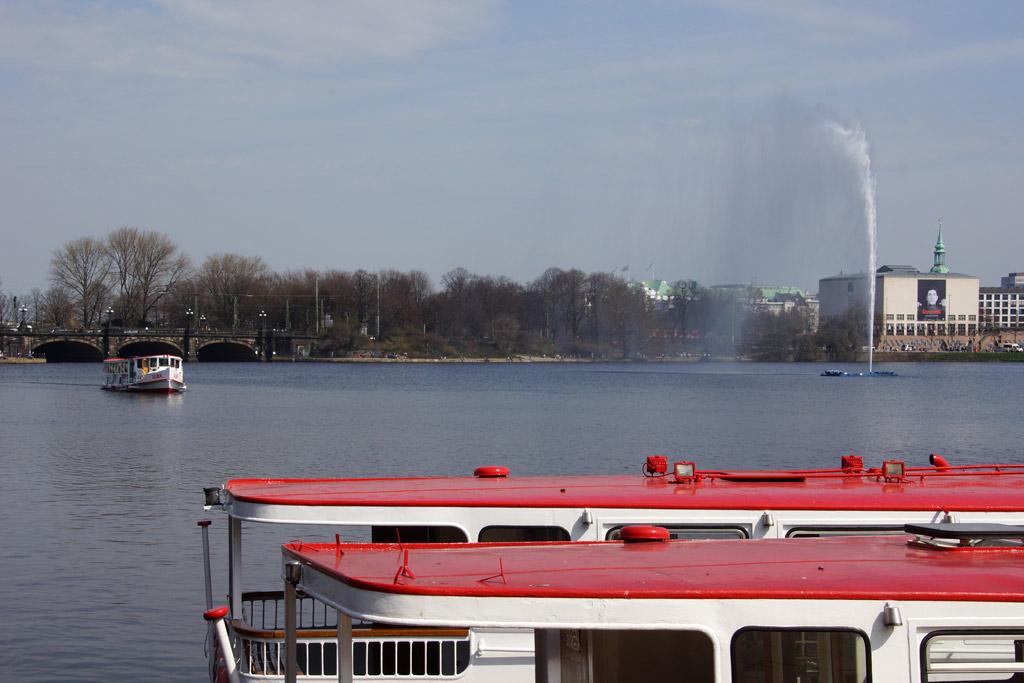 alster-schifffahrt-fruehling-fontaene-hamburg-15-04-2013-andres-lehmann