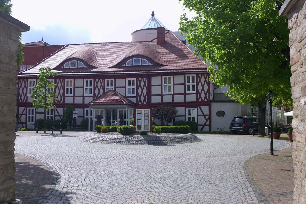 george-clooney-the-momuments-men-gasthaus-zu-den-rothen-forellen-einfahrt-ilsenburg-2013-maria-kubica