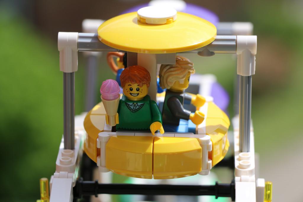 lego-creator-expert-riesenrad-ferris-wheel-gondel-2015-andres-lehmann