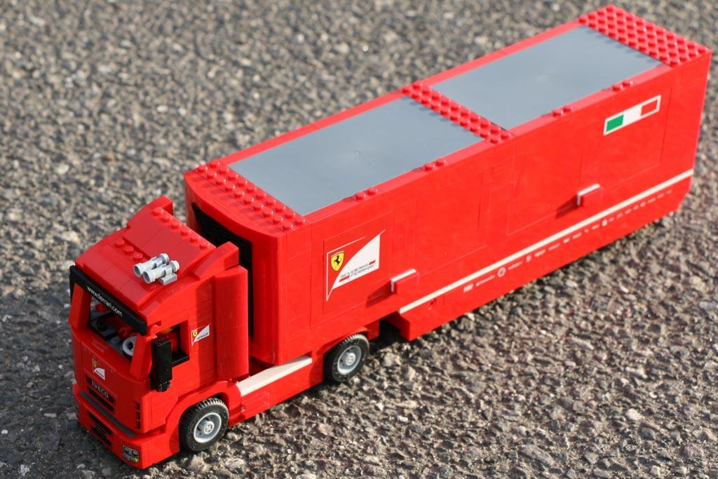 lego-speed-champions-scuderia-ferrari-truck-draufsicht-set-75913-2015-andres-lehmann
