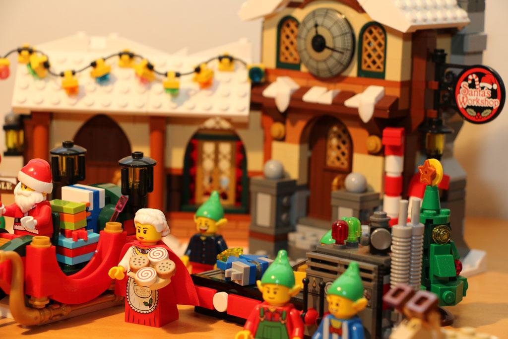lego-creator-weihnachtliche-werkstatt-aussenansicht-10245-2014-andres-lehmann