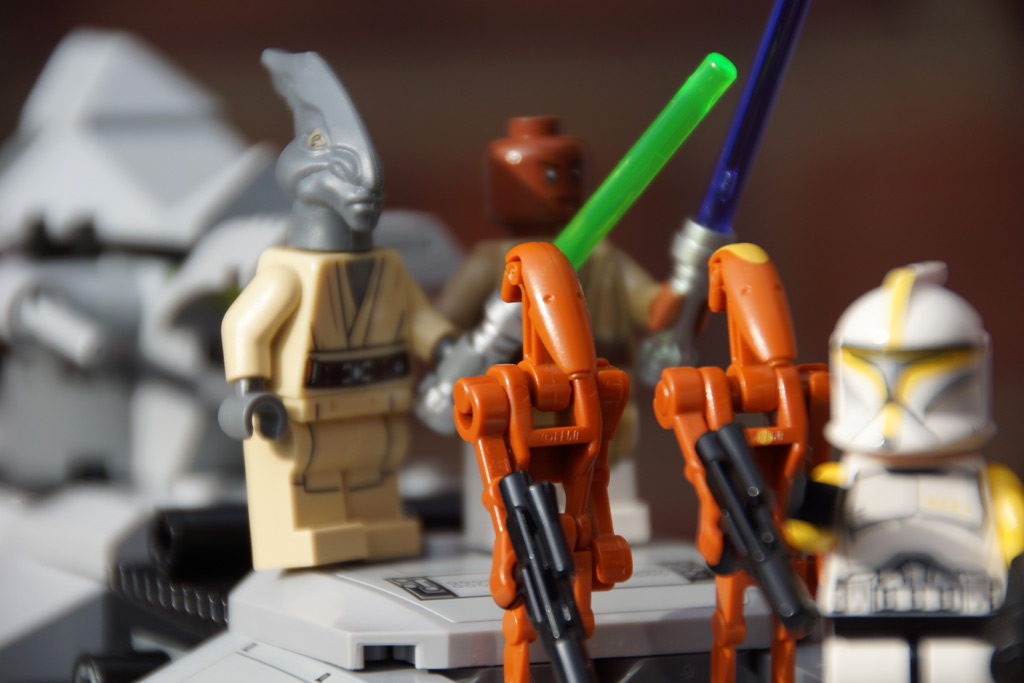 lego-star-wars-at-te-droiden-jedi-ritter-clone-trooper-2013-andres-lehmann