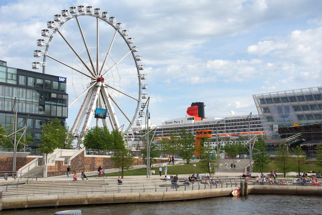 riesenrad-queen-mary-2-hafencity-andres-lehmann