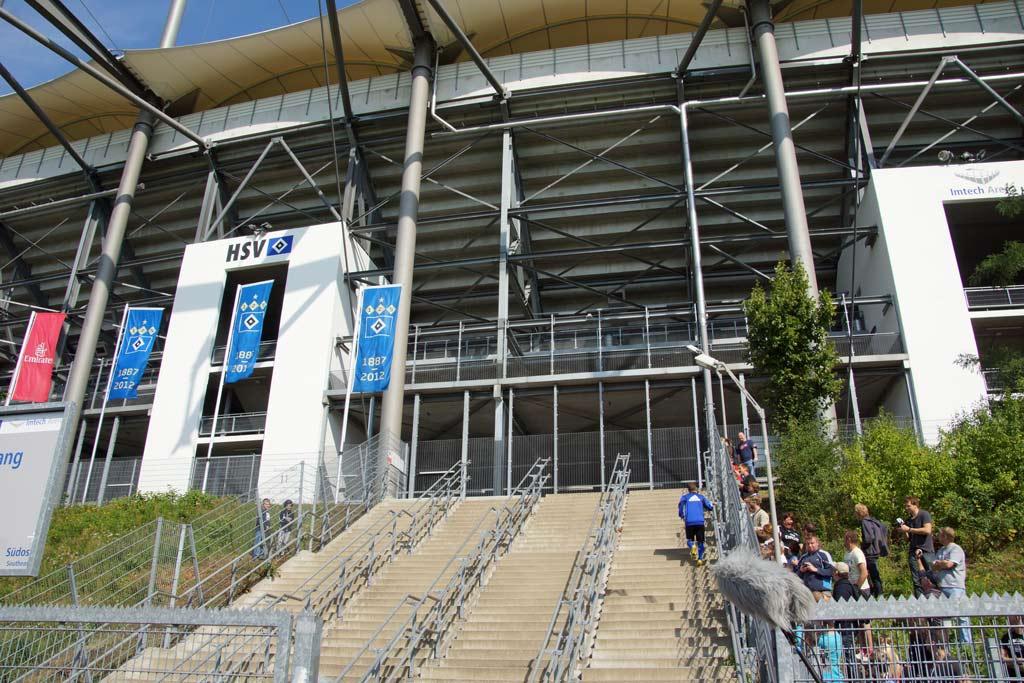 rafael-van-der-vaart-stadiontreppe-imtech-arena-hsv-2012-andres-lehmann