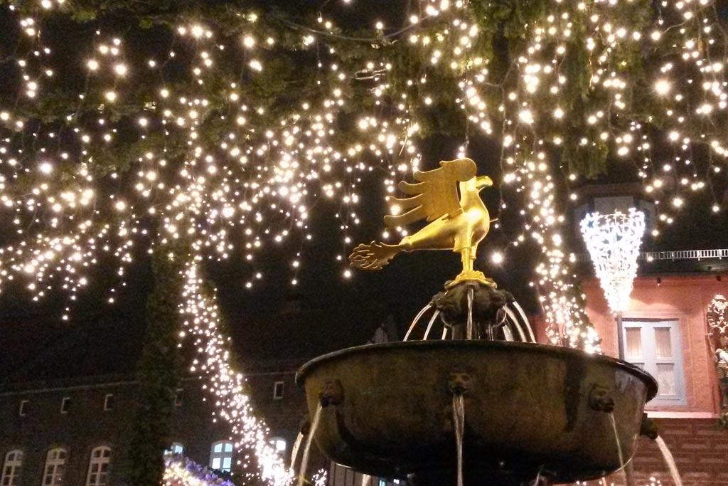 goslar-weihnachtsmarkt-brunnen-harz-weihnachten-2014-maria-kubica