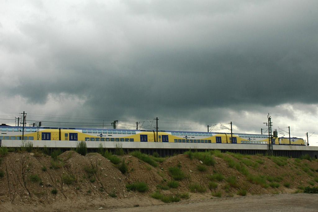 metronom-zug-wolken-hamburg-andres-lehmann