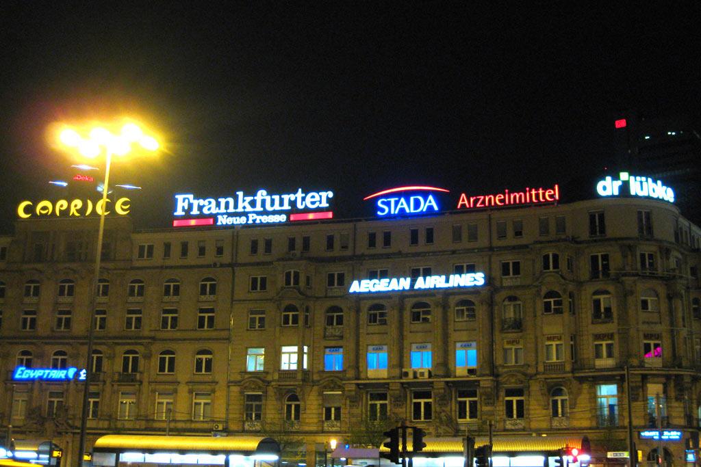 frankfurt-vorplatz-hauptbahnhof-andres-lehmann