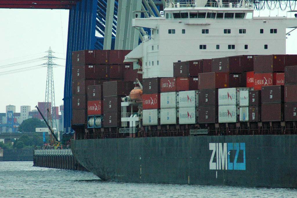 hafen-container-hamburg-andres-lehmann