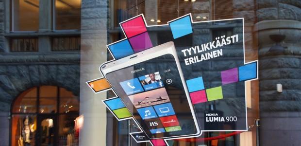 Nokia und Microsoft nehmen so langsam Fahrt auf – zumindest in Finnland. Dort verkauft sich etwa das Nokia Lumia 900 mit Microsoft Windows Phone sehr gut.
