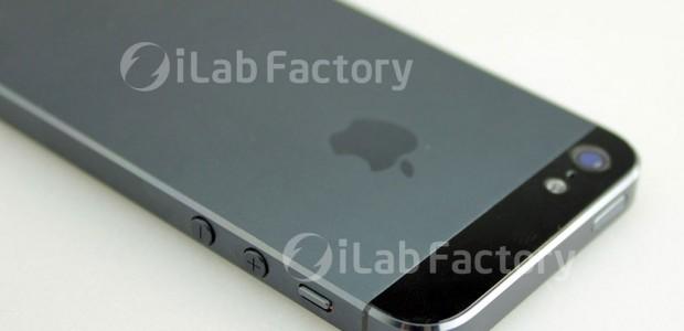 Samsung wird Ende August das Galaxy Note 2 vorstellen, Apple hält womöglich am 12. September mit dem iPhone 5 und dem iPad Mini dagegen: Ein Vergleich.