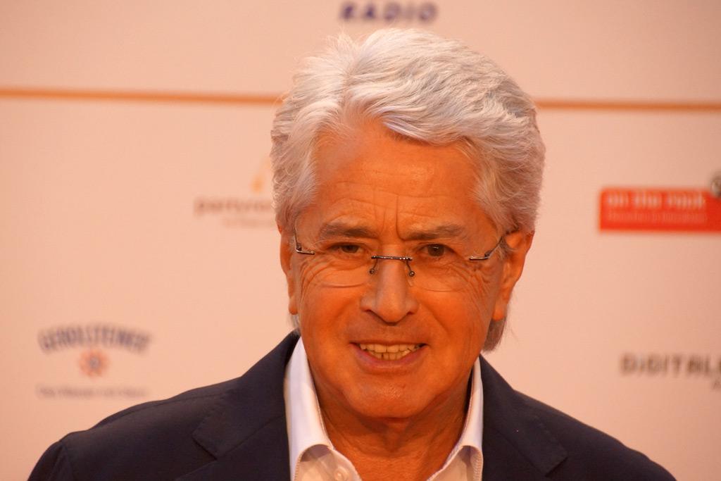 frank-elstner-grossaufnahme-roter-teppich-deutscher-radiopreis-2012-andres-lehmann