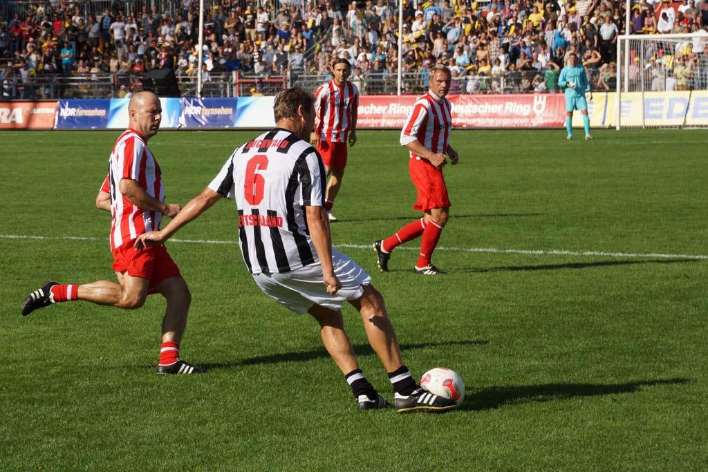 guido-buchwald-aktion-tag-der-legenden-2012-andres-lehmann