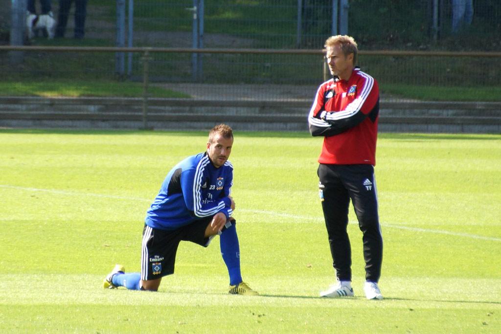 rafael-van-der-vaart-thorsten-fink-trainingsplatz-hsv-2012-andres-lehmann