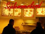 schlemmerland-currywurst-europa-passsage-klein-2012-andres-lehmann