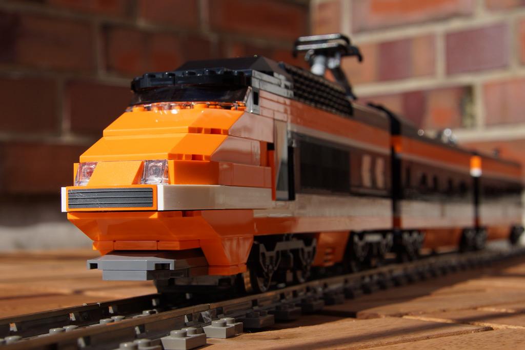 horizon-express-zug-lego-creator-2013-andres-lehmann