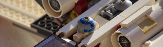 lego-star-wars-x-wing-starfighter-r2-d2-2013-andres-lehmann