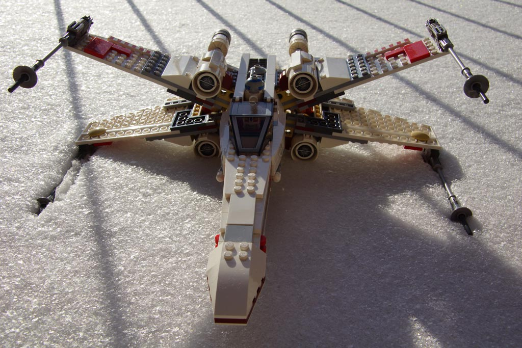 lego-star-wars-xing-starfighter-2013-andres-lehmann