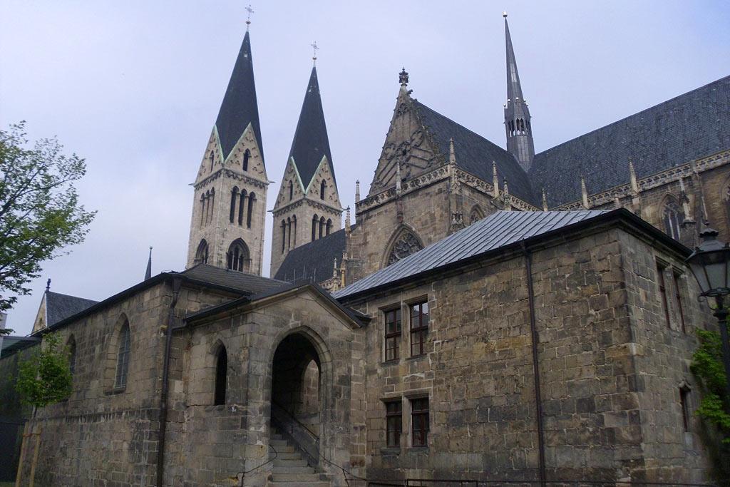 dreharbeiten-halberstadt-the-monuments-men-dom-george-clooney-2013-maria-kubica