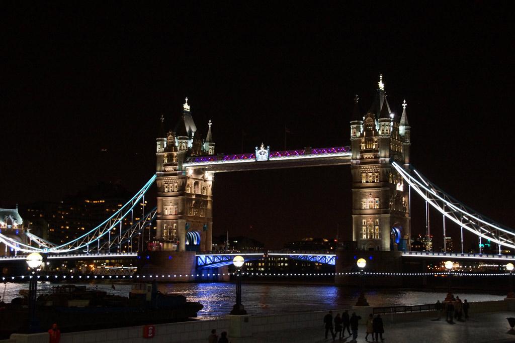 tower-bridge-london-nachtaufnahme-andres-lehmann