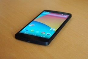 google-lg-nexus-5-android-4-4-kitkat-2013-andres-lehmann
