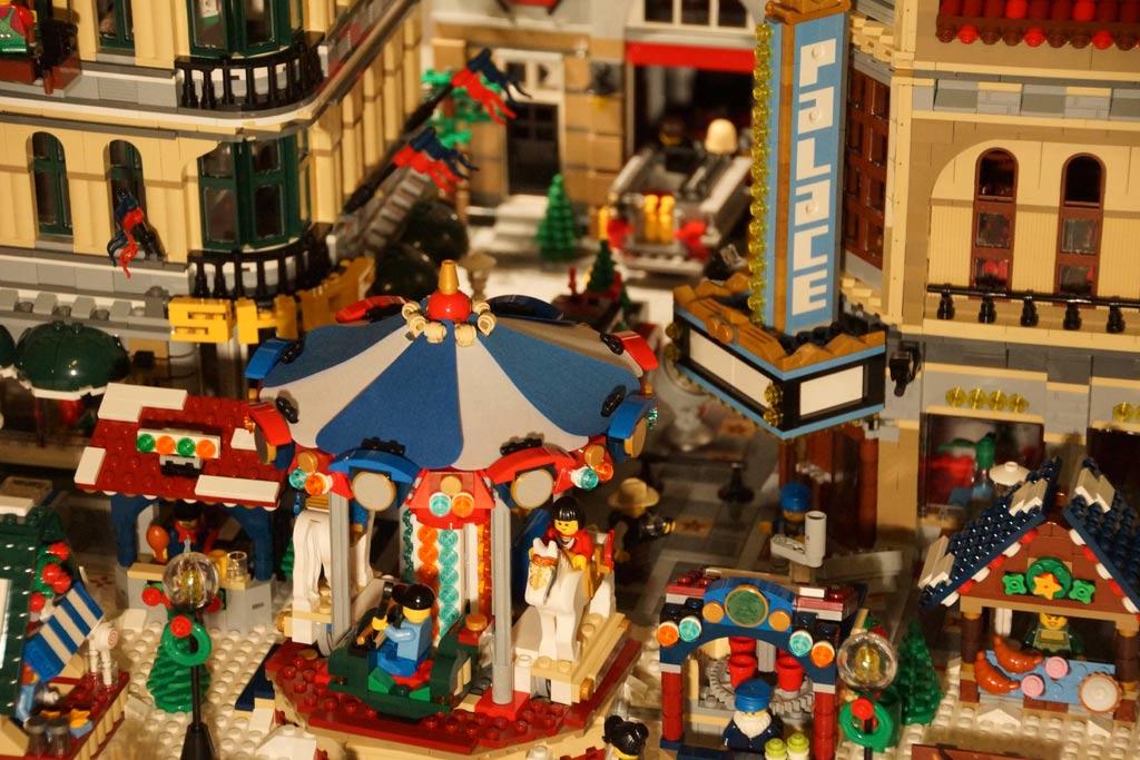 lego-winterlicher-markt-weihnachtsmarkt-karussell-buden-stadt-2013-andres-lehmann