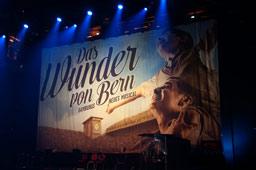 klein-hamburgs-neues-musical-das-wunder-von-bern-musical-stage-theater-vorstellung-2014-andres-lehmann