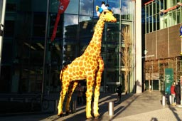 klein-legoland-discovery-centre-berlin-giraffepotsdamer-platz-2014-andres-lehmann