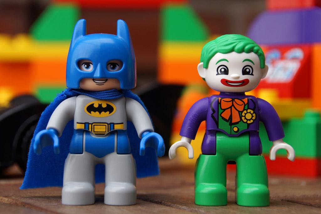 lego-duplo-batman-jokers-versteck-figuren-dc-comics-2014-andres-lehmann
