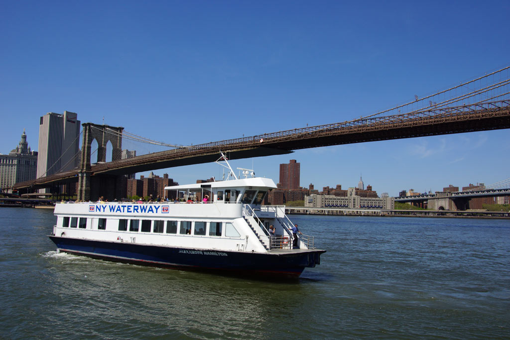 new-york-city-brooklyn-bridge-ny-waterway-2014-andres-lehmann