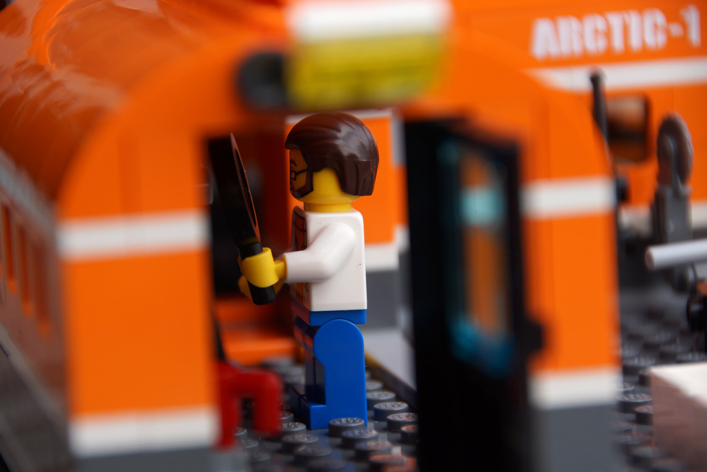 lego-city-arktis-basislager-60036-set-wissenschaftler-2014-andres-lehmann