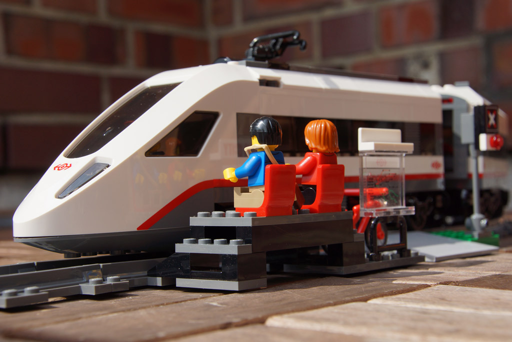 lego-city-hochgeschwindigkeitszeug-bahnsteig-set-2014-andres-lehmann