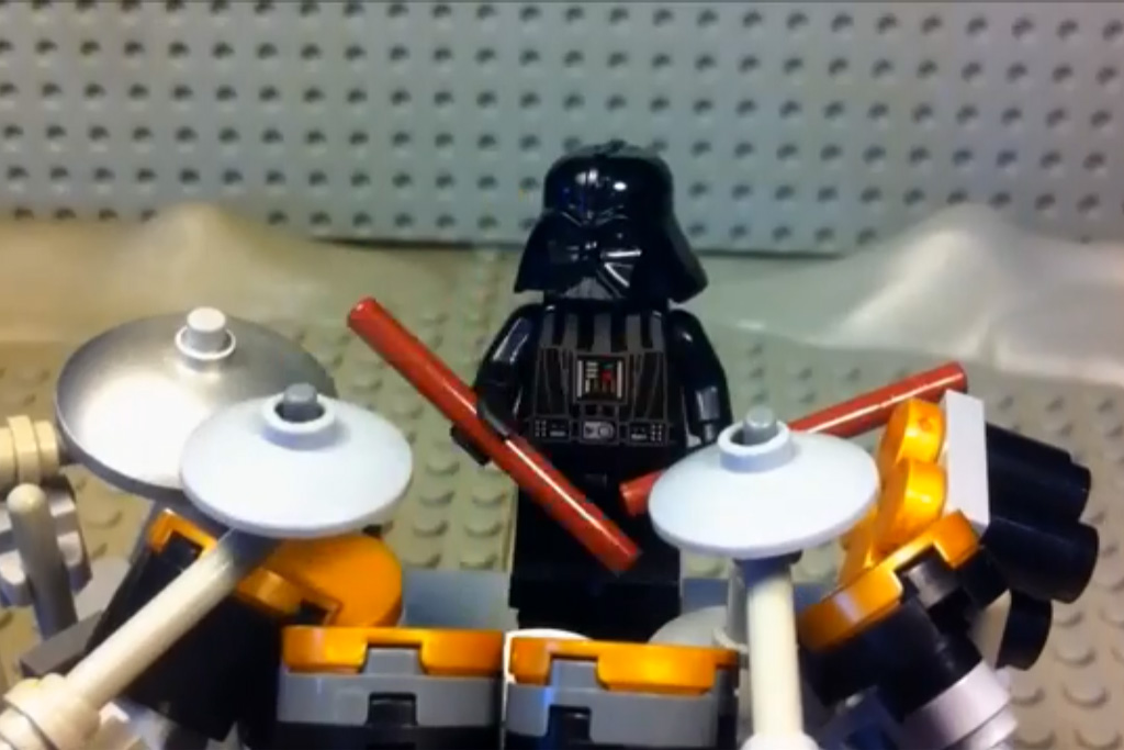 lego-darth-vader-power-of-the-blast-screenshot-legonardodafinci-channel-youtube