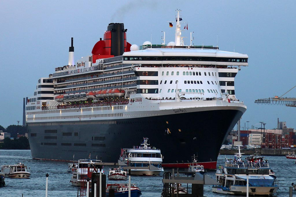 queen-mary-2-hamburg-qm2-2014-frank-burmester