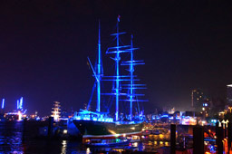 klein-hamburg-cruise-days-blue-port-rickmer-rickmers-2014-andres-lehmann