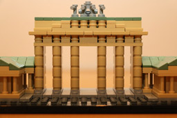 klein-brandenburger-tor-gate-front-lego-architecture-210111-2014-andres-lehmann