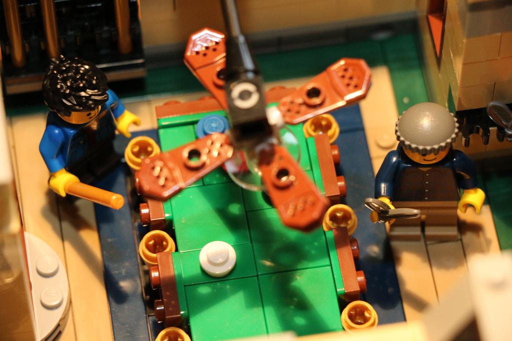 lego-creator-expert-detektivbuero-billardtisch-set-10246-2015-andres-lehmann