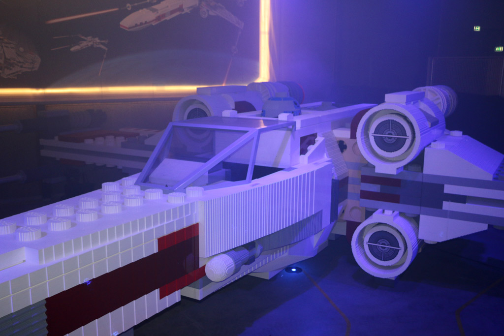 lego-x-wing-starfighter-billund-legoland-2015-andreslehmann