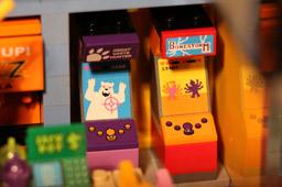 klein-lego-the-simpsons-kwik-e-markt-spielautomaten-2015-andres-lehmann