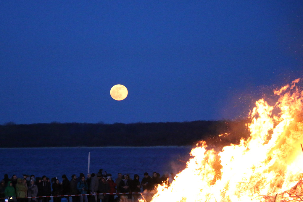 osterfeuer-travemuende-vollmond-2015-andres-lehmann