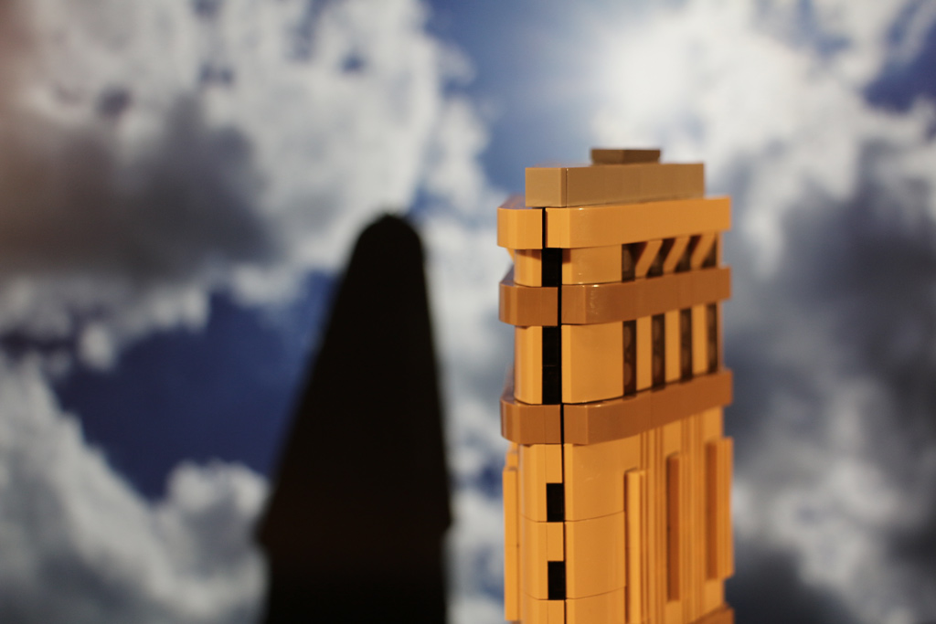 lego-architecture-flatiron-building-new-york-city-manhattan-2014-andres-lehmann