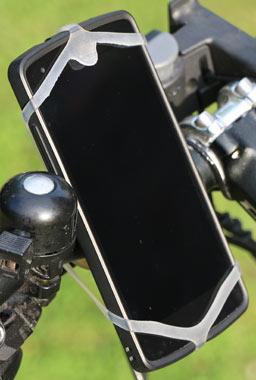 klein-finn-halterung-smartphone-lg-nexus-5-2015-andres-lehmann