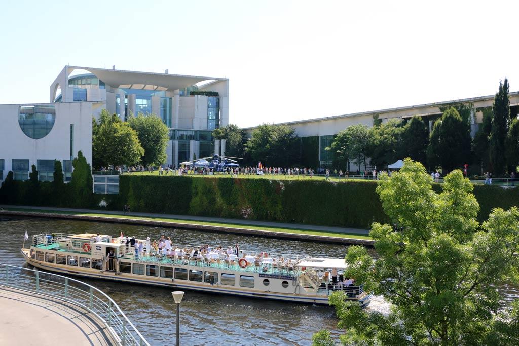 bundeskanzleramt-tag-der-offenen-tuer-berlin-2015-andres-lehmann