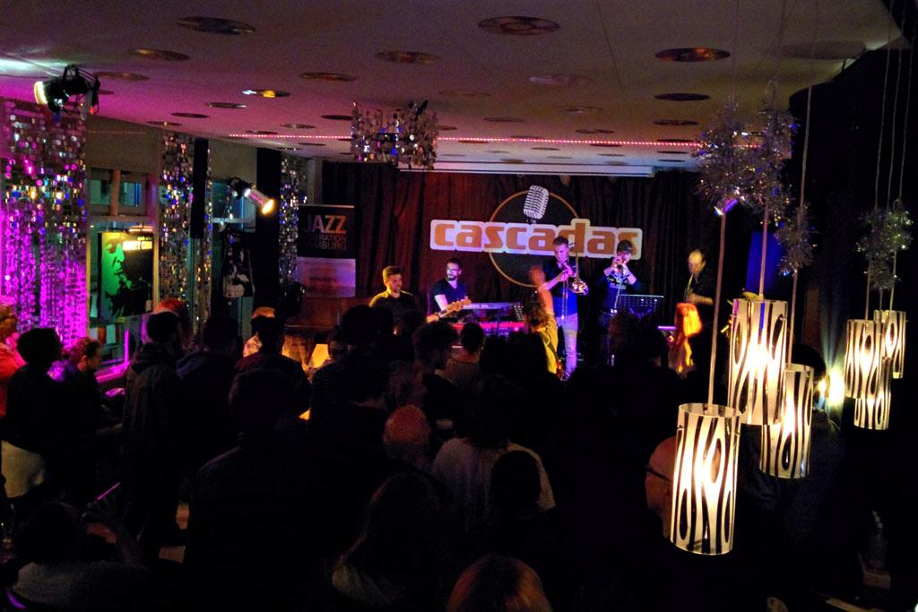 urban-funk-bash-cascadas-bar-hamburg-besucher-2016-ukonio-andres-lehmann