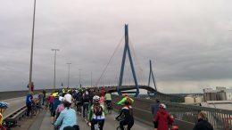 Köhlbrandbrücke mit dem Rad erklimmen: Großartig!   © Andres Lehmann