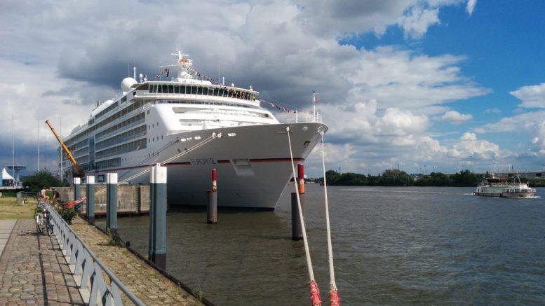 Europa 2 zu Gast in Hamburg   © Andres Lehmann