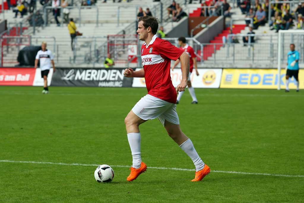 Marcell Jansen am Ball | © http://foto-burmester.de